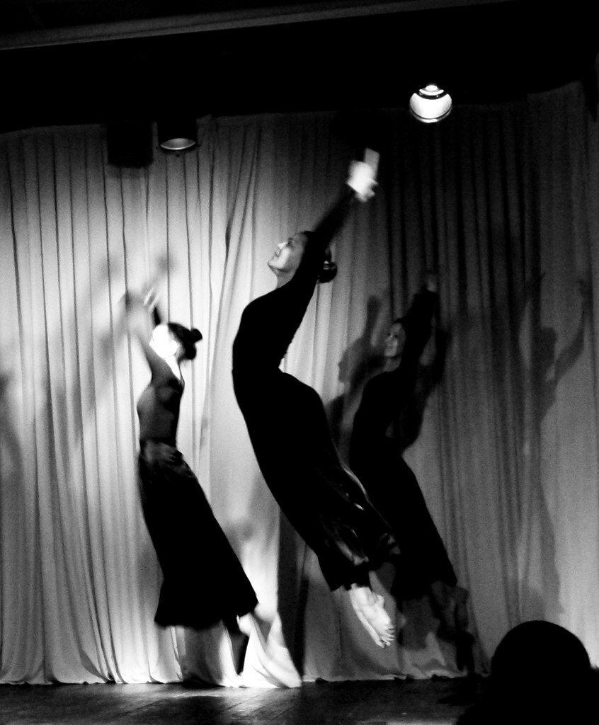 Современный танец (модерн / контемпорари):